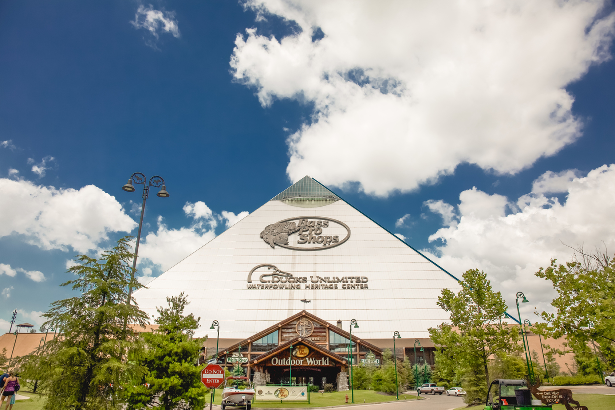 Bass Pro Shops at The Pyramid and Big Cypress Lodge | Alex Shansky
